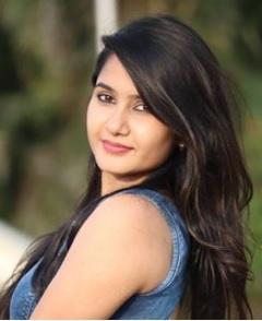 Divya Upadhyay Biography, TikTok Star, Youtuber, Photos, Videos, Instagram, Income 1