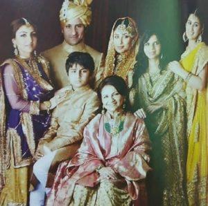 Kareena Kapoor Khan Biography, Age, Son, Husband, Photos, Movies, Birthday 25