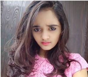 Bindas Kavya (Kavya Shree Yadav) Biography, Tik Tok Star, Age, Youtube Channel - gulabigangofficial.in 3