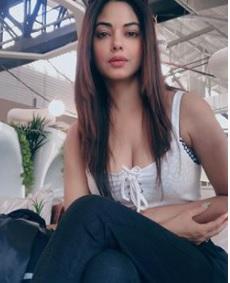 Meera Chopra Biography, Photos, Instagram, Videos, Movies, Family - gulabigangofficial.in 3