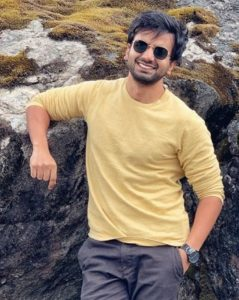 Ayush Mehra Biography - Actor, Age, Height, Family, Girlfriend, Movie, Web Series - gulabigangofficial.in 5