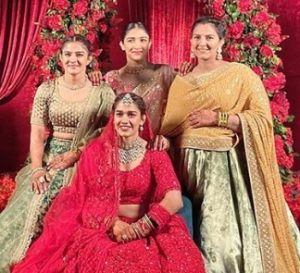 Babita Phogat Biography - Wrestler, Baby Boy, Husband, Marriage Photos, Sisters, Father, Nach Baliye, BJP, Awards - gulabigangofficial.in 10