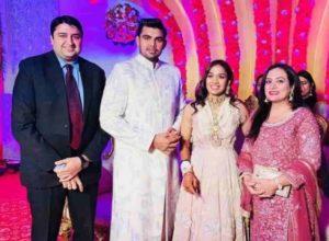 Babita Phogat Biography - Wrestler, Baby Boy, Husband, Marriage Photos, Sisters, Father, Nach Baliye, BJP, Awards - gulabigangofficial.in 22