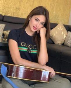 Mahira Sharma Biography - Bigg Boss 13 Contestant, TV Shows, Songs, Videos, Tiktok, Instagram, Contact 6