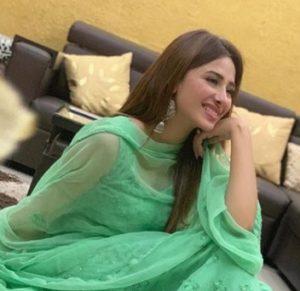 Mahira Sharma Biography - Bigg Boss 13 Contestant, TV Shows, Songs, Videos, Tiktok, Instagram, Contact 4