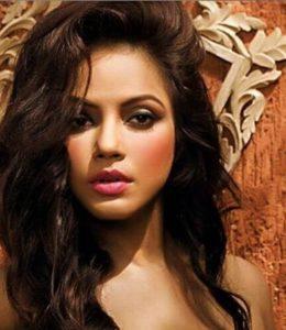 Neetu Chandra Biography, Age, Husband, Family, Movies, Songs, Videos, Photos - gulabigangofficial.in 1