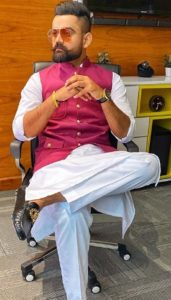 Amrit Maan Biography, New Punjabi Songs, Age, Birthday, Wife, Family, Contact 7