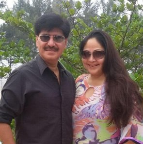 Rati Agnihotri Biography, Age, Son, Husband, Family, Movies, Songs, Latest News - gulabigangofficial.in 9