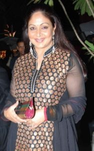 Rati Agnihotri Biography, Age, Son, Husband, Family, Movies, Songs, Latest News - gulabigangofficial.in 5