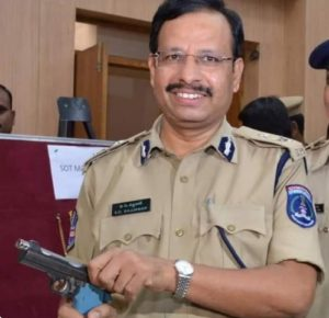 VC Sajjanar (IPS) Biography, Encounter Specialist, Family, Caste, Religion, Contact Details - gulabigangofficial.in 7