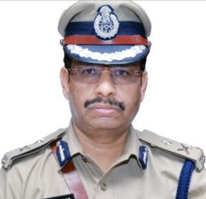 VC Sajjanar (IPS) Biography, Encounter Specialist, Family, Caste, Religion, Contact Details - gulabigangofficial.in 5