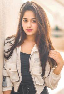 Jannat Zubair Biography, Height, Age, TV Serials, Movies, Songs, Short Films, Family 17
