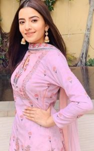 Rukshar Dhillon Biography, Age, Height, Movies, Family, Father, Mother, Husband, BF 1