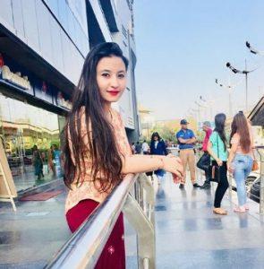 Navdeesh Kaur Biography, Age, Height, Job, Family, Blog, Youtube Channel, Instagram 5