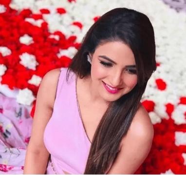 Jasmin Bhasin latest photo