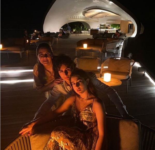 Sara Ali Khan with Mother and Brother