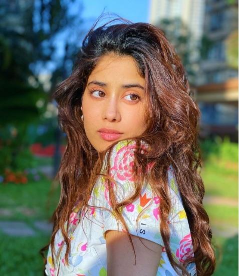 Jhanvi-Kapoor-Latest-Pics