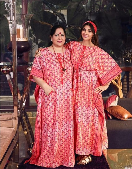 Shilpa Shetty with mother Sunanda Shetty