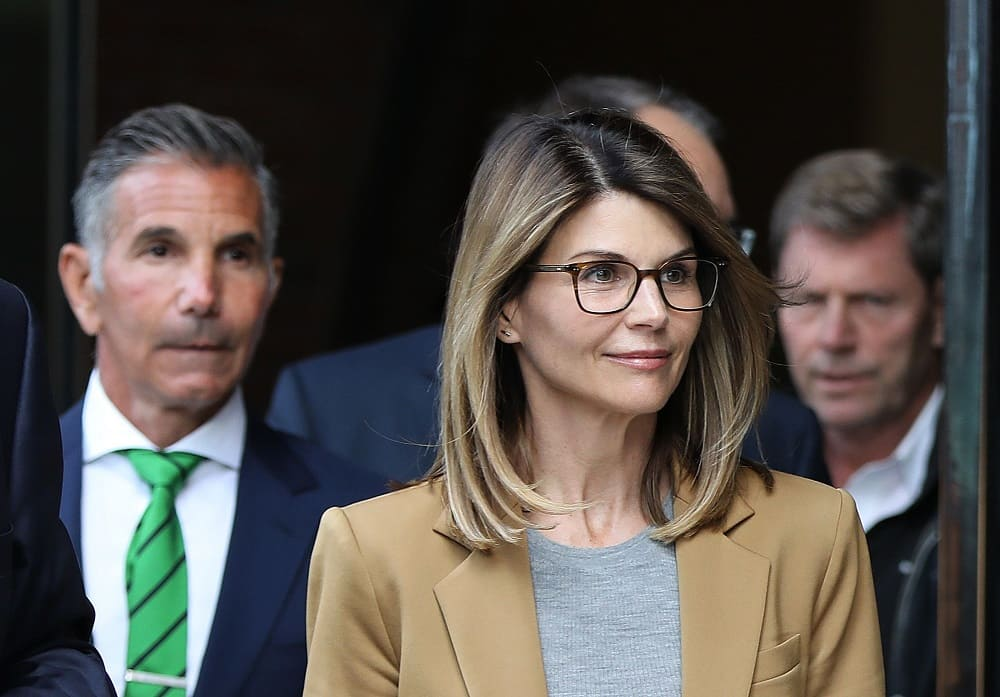 Lori Loughlin Biography, Education, Controversy, Net Worth & More 3