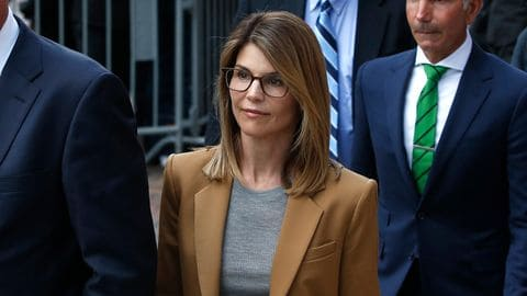 Lori Loughlin Biography, Education, Controversy, Net Worth & More 5