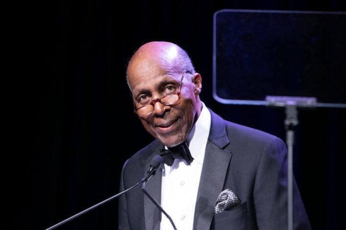 Vernon Jordan Biography, Education, Family Spouse, Net Worth & More 1