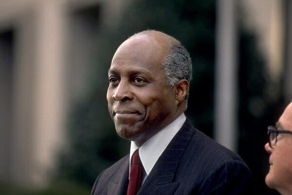 Vernon Jordan Biography, Education, Family Spouse, Net Worth & More 3